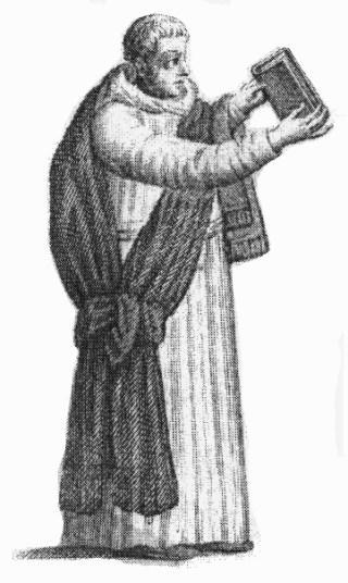 Diacre portant la chasuble roulée pour chanter l'évangile.