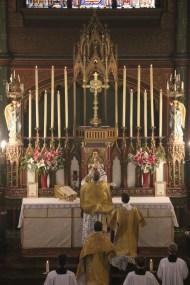Messe de la Fête-Dieu - Elévation du Sang du Seigneur