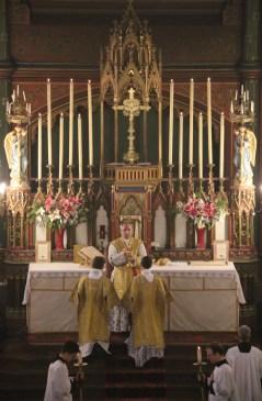 Messe de la Fête-Dieu - Domine non sum dignus