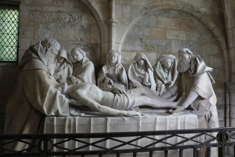 La mise au tombeau de Tonnerre
