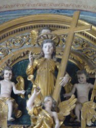 Peisey-Nancroix, église de la Trinité : retable majeur, détail : partie centrale de l'attique.