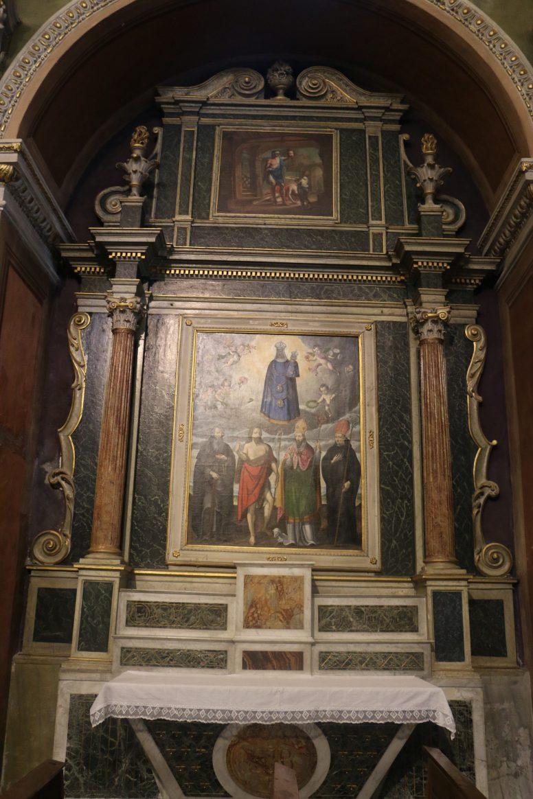 Notre-Dame de l'Assomption à Valloire : retable d'une chapelle latérale.