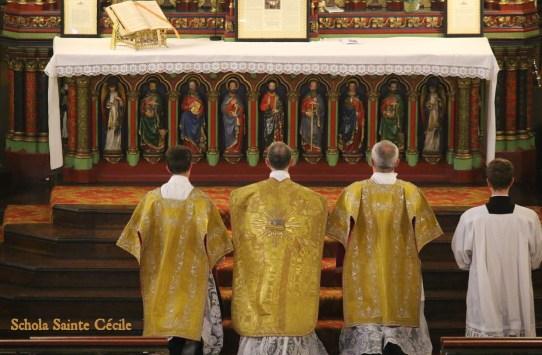 Solennité de saint Pierre et saint Paul 2019 - adieu à l'Abbé Iborra : à l'offertoire.