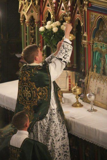 Première messe de M. l'Abbé Guillaume, fssp : A la consécration