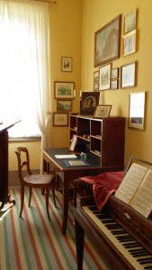 Mallory visited several cultural institutions during her stay, including the Mendelssohn Haus.
