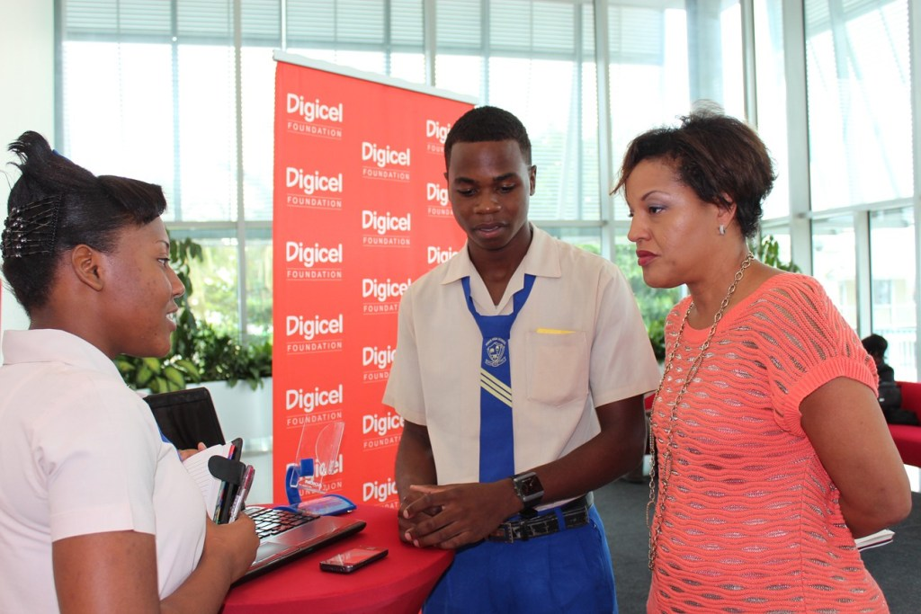 Apply for one of the J$140,000 Digicel Social Science Scholarship form the Digicel Foundation for 2nd & 3rd year student enrolled at the UWI, Mona campus.