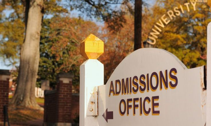 An Insider's View of What Happens Inside a College Admissions Office