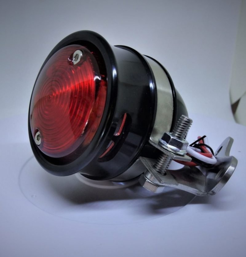 feu-arriere-hollister-noir-aluminium-harley davison-moto-bobber