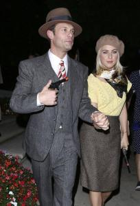 An example of the Bonnie and Clyde costume by Ryan Seacrest and Julianna Hough. From google images.