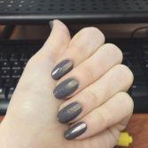 streaker-nails_harpersbazaar_com