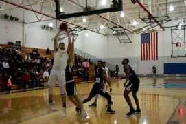 Men_Basketball-020619-07