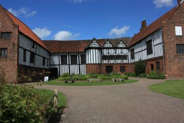 Medieval Manor Houses Facts Summary History & Architecture