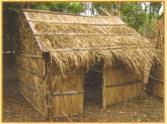 """Case reconstituée par l'association """"Kan Villèle"""" lors du 160ème anniversaire de l'abolition de l'esclavage."""