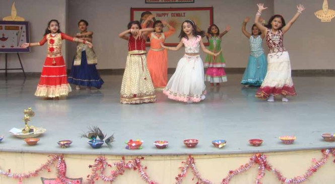 Lions Public School Organises Diwali Assembly to Pledge 'Say No to Crackers'