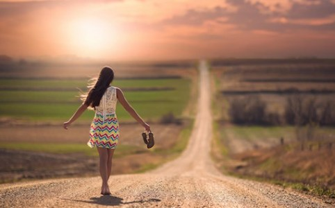 inspiringwallpapers.net-mood-girl-walking-alone