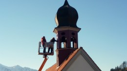 Ein Bundesexperte untersuchte die Glocke der Kapelle von Schorie