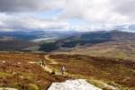 Auf zahlreichen Wanderungen werden wir auf der Bahnreise Schottland entdecken.