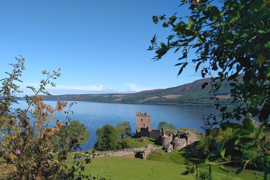 Bei der Wanderreise auf dem Great Glen Way besteht die Moeglichkeit Urquhart Castle zu besuchen.