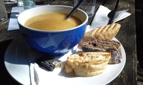 Schottlands Küche besticht durch Frische und Qualität, davon kann man sich auf einer Schottlandreise überzeugen.