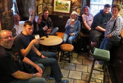 Schottland ist bekannt für guten Whisky, gutes Bier und gesellige Abende in schottischen Pubs.