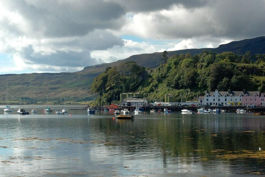 Die Insel Skye ist ein Highlight dieser Auto-Rundreise durch Schottland.