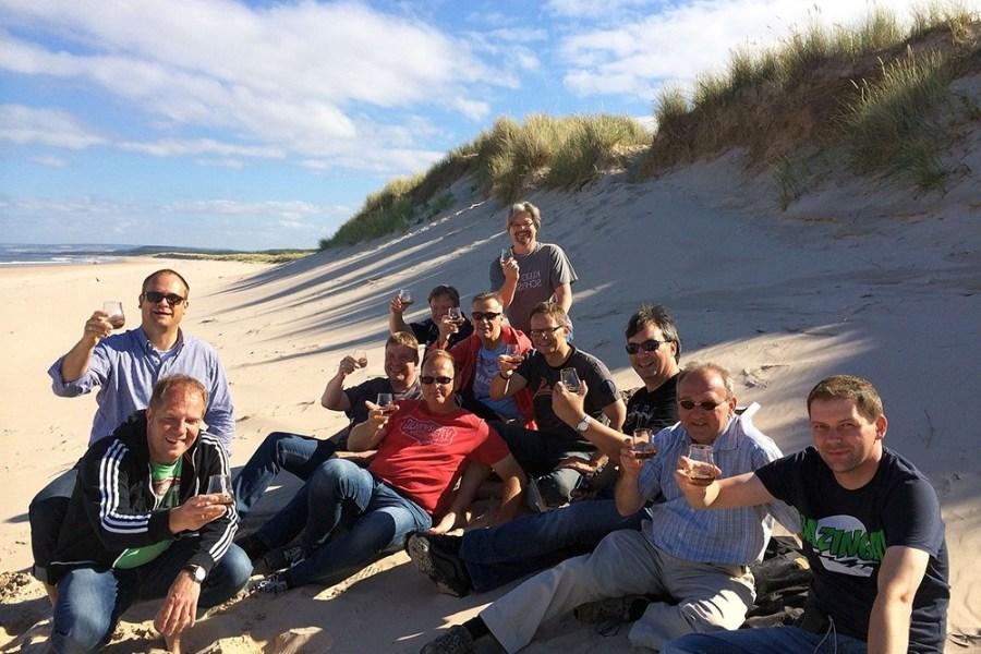 Unsere gefuehrten Whiskyreisen in Schottland sind Kleingruppenreisen mit deutschsprachigem Reiseleiter.