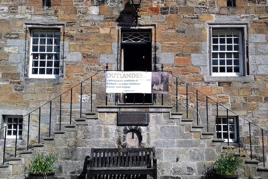 Die Outlander Filmkulissen bieten sich für eine Rundreise durch Schottland an.