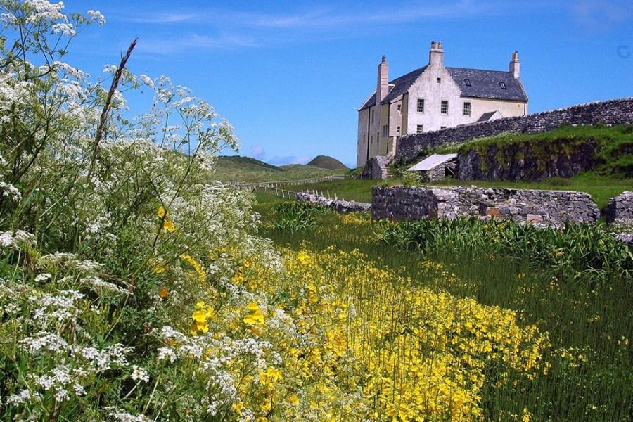 Auf dieser Rundreise mit Mietwagen durch Schottland ist auch ein 2-taegiger Aufenthalt in Durness dabei.