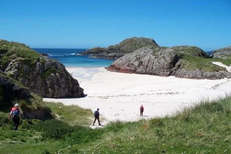 Eine Segelreise in Schottland mit der FLying Dutchman führt auch auf die Hebrideninseln.