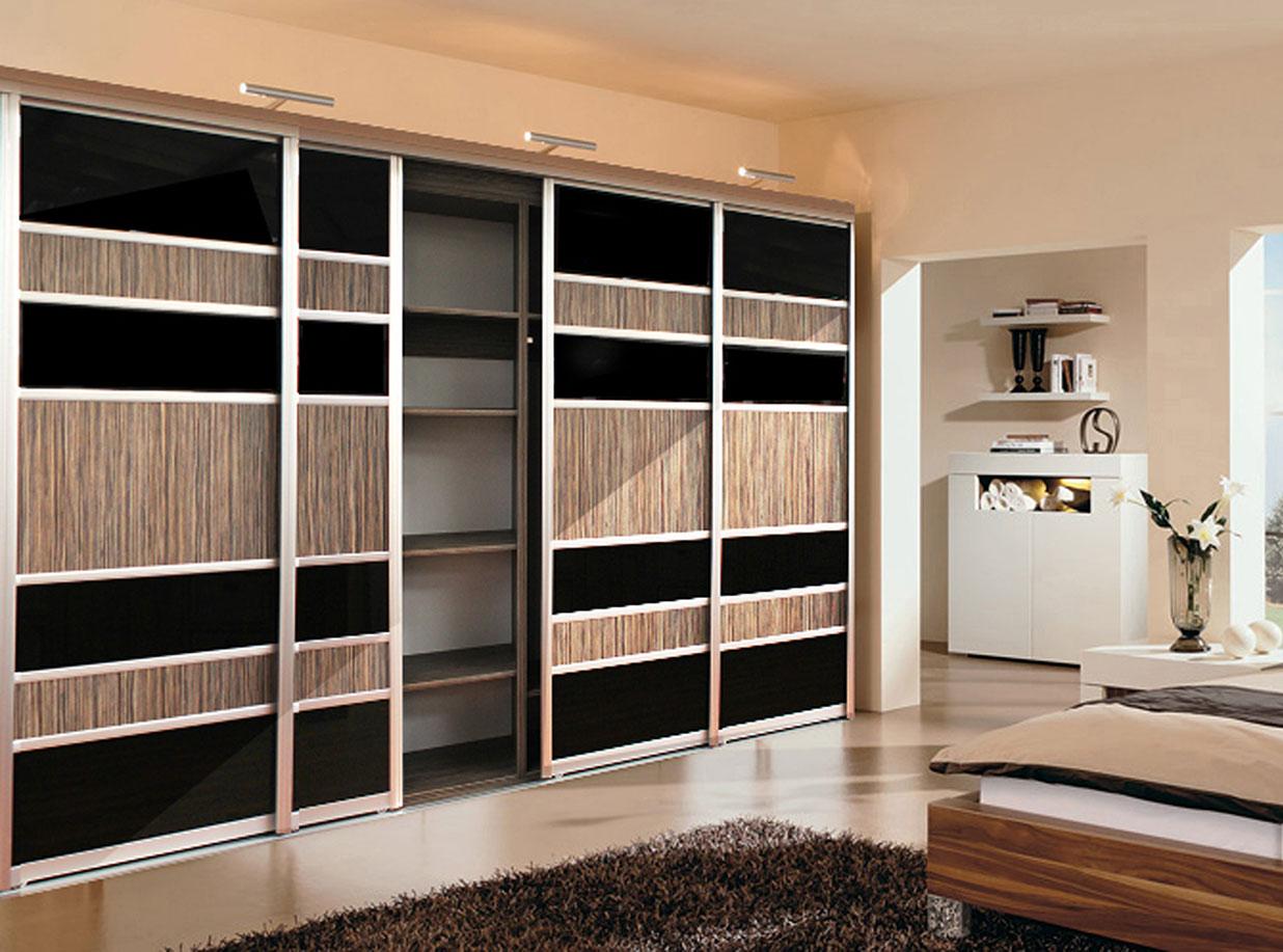 mehrzweckschrank mit schiebet ren schrank in der. Black Bedroom Furniture Sets. Home Design Ideas