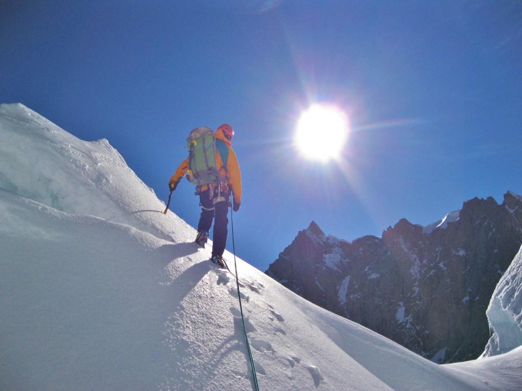 Beim Abstieg bei der Querung vor dem Rocher du Repousoir