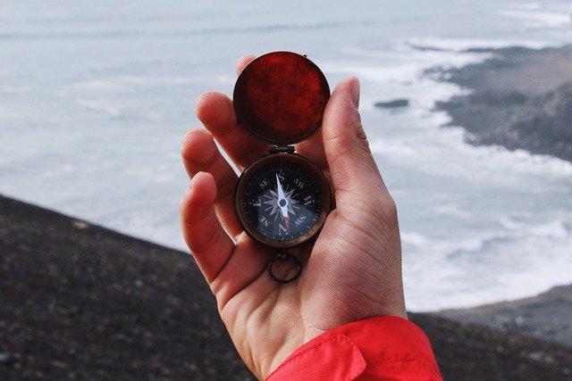 Wie du mit Stift und Papier deinen inneren Kompass freilegst – 3 Tipps für den Start