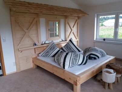 Schlafzimmer Almwand