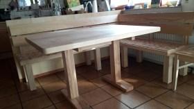 Tisch Esche mit Säulenfußgestell kantig