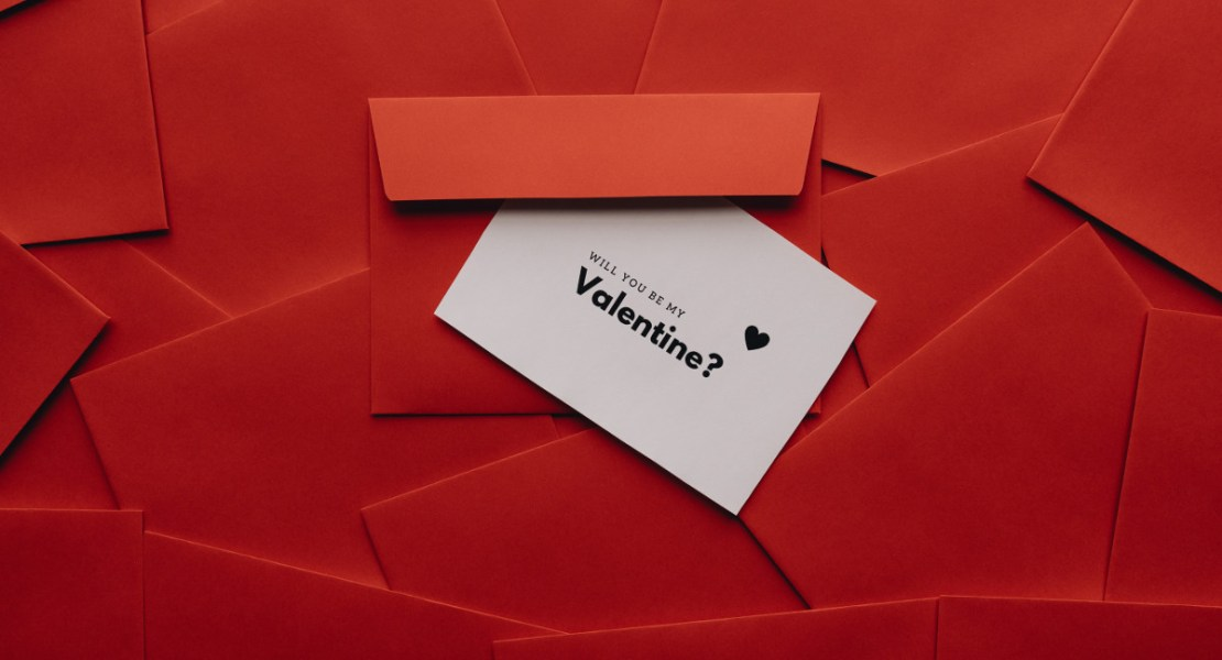 Happy Valentine | Photo by alleksana from Pexels