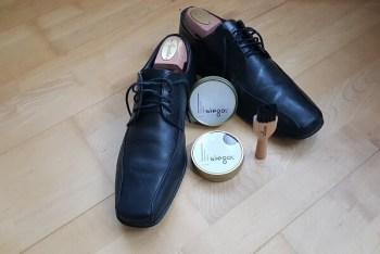 Schuhe mit Wachs und ohne Spray imprägnieren