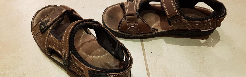 Sandalen reinigen