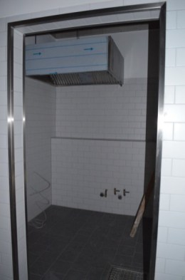 In dieser Spülküche wird später das ganze dreckige Geschirr gewaschen.