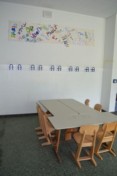 Ein Gruppenraum im Vorraum der Klassen!