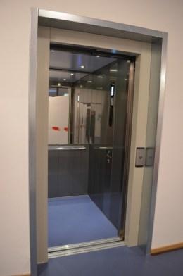 Der Fahrstuhl im Neubau