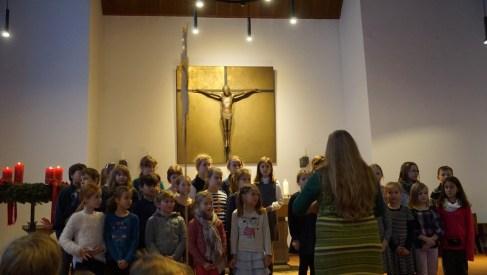 Auch der Chor der 3. und 4. Klassen hatte ein Stück eingeübt.