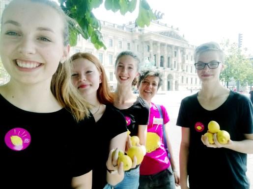 """""""One minute lemon"""" - THG Wolfenbüttel in Kooperation mit dem Institut für performative Künste und Bildung Kopie"""