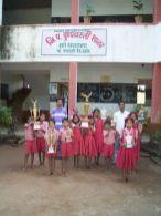 Pushpa Vasti Schüler gewinnen staatliche Preise im Wettbewerb mit anderen Schulen