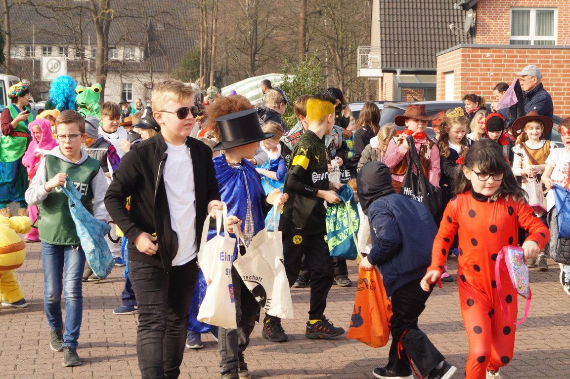 Schulkarneval_Postdammschule_2019 (10)