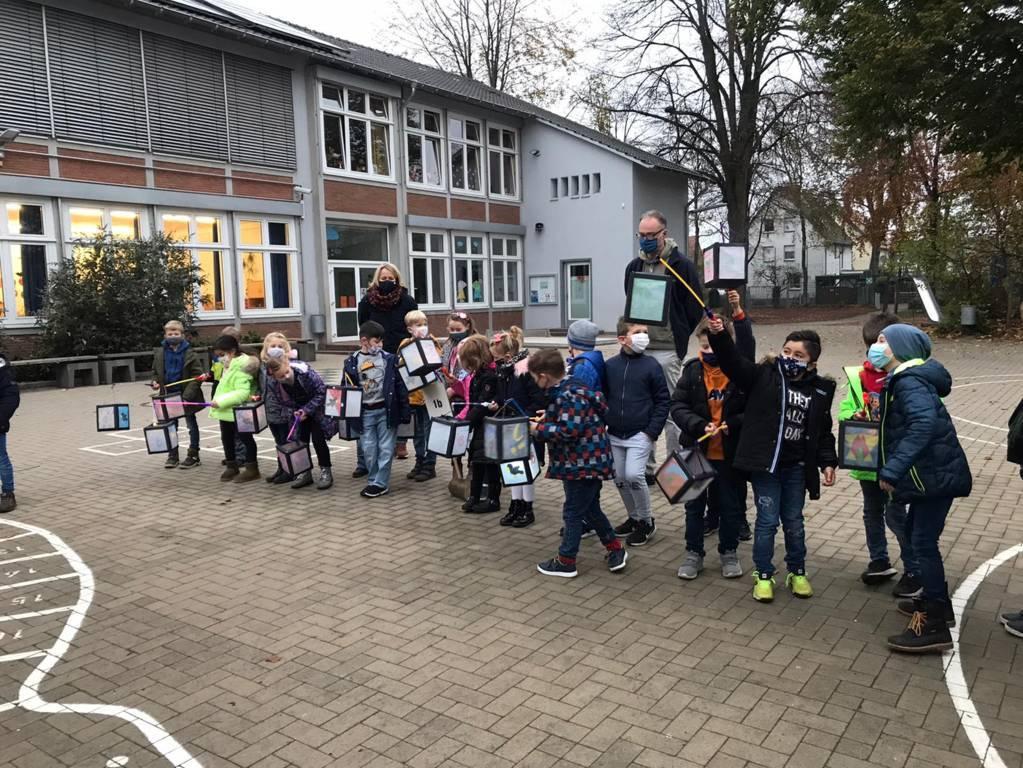 Martinsfeier Eichendorffschule 2020 (35)