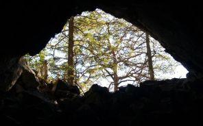 7 metrová jaskyňka vysoko nad dolinou