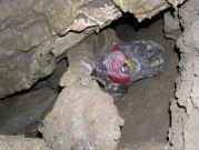 Peťo posúva skaly do Prievanovej sienky