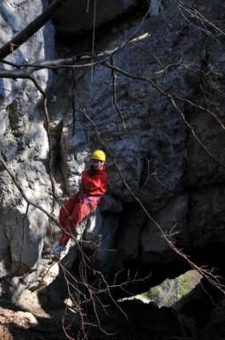 Priepasťovo-tunelová jaskyňa