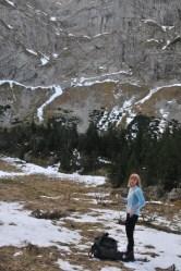 Vierka vyniesla pod jaskyňu skladací rebrík a išla na Giewont
