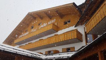 k-2017 - Hotel - Giebel Schneefall